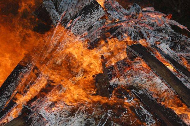 flammen-feuer-02